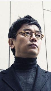 Dir. E J-Yong (1).jpg